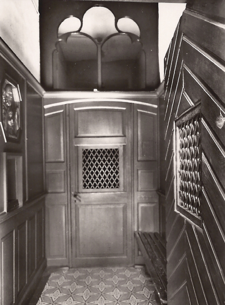 2 - Klostereingang