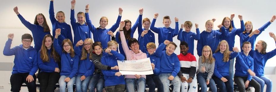 Buchprojekt der Klasse 7a erzielt 1450€ für LandsAid